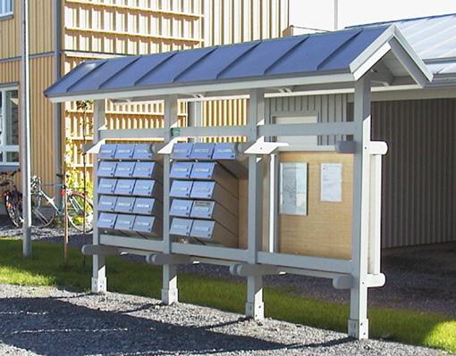 Postilaatikko-katos ja infotaulu Citybox-V rst -postilaatikoilla